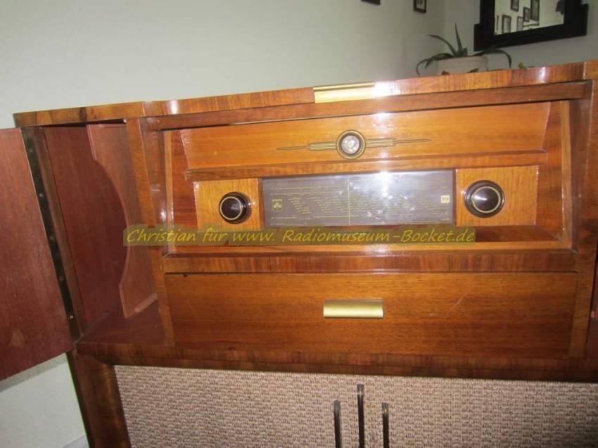 Grundig Musikschrank 585W – Radiomuseum-bocket.de